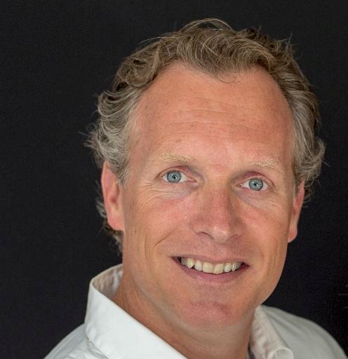 Victor Overmars hoofdtrainer en oprichter Unlimited Academy. Holistisch opleidingsinstituut. Persoonlijke groei en professionele ontwikkeling.